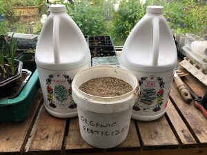 Read more about the article Liquid Vs Granular Fertilizer For Growing Vegetables: Can You Use Both?